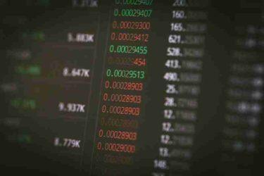【株式投資】副業ブームで参入者増加!稼げない中で見出した投資という新たな副業